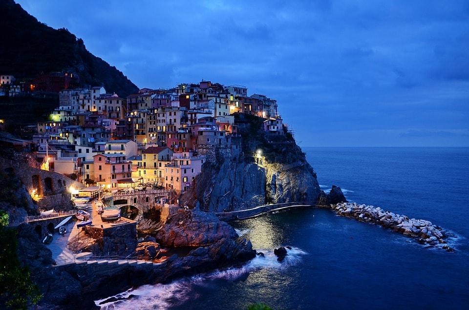 Travel To Italy - Taza